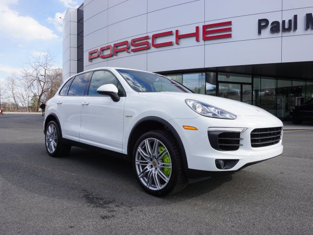 New 2016 Porsche Cayenne S E-Hybrid With Navigation & AWD